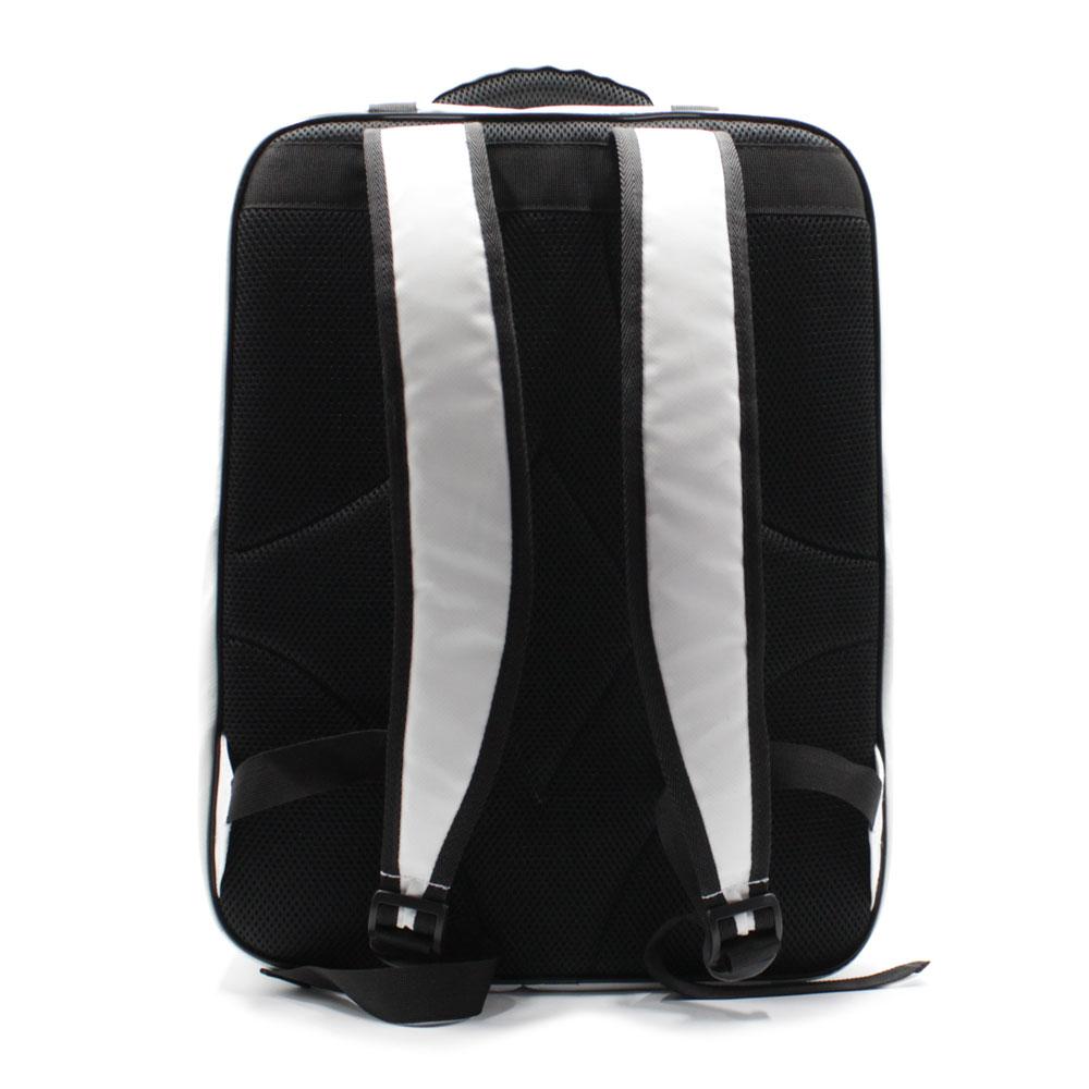 рюкзак для переноски персональной компактной электростанции сзади